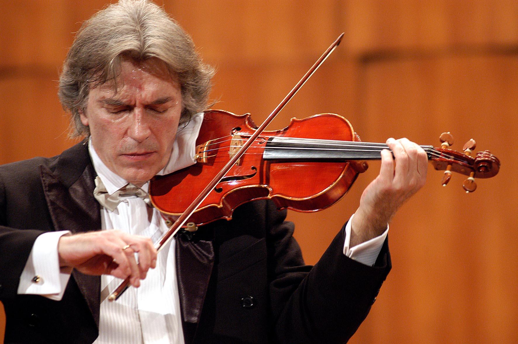 Jovan Kolundžija - violinista, osnivač Centra lepih umetnosti Guarnerius
