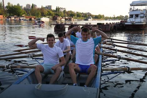 Veslaj za svoju školu: Maturanti i profesori zajedno u čamcima od 10. maja