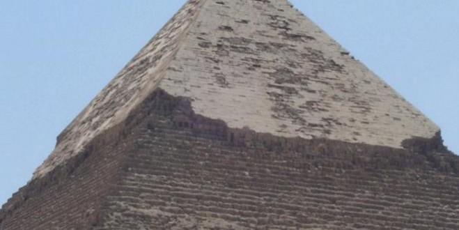 Pogledajte šta se nalazi na vrhu piramida