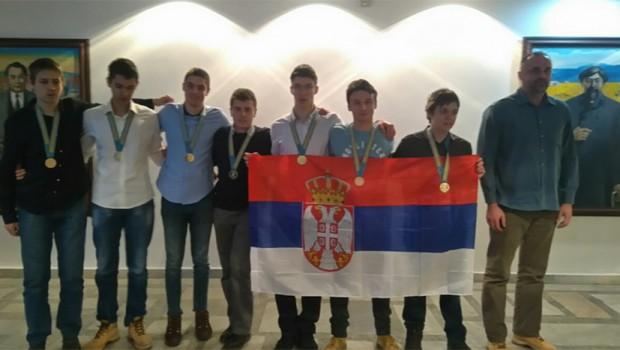 Znanje nema alternativu: Srpski matematičari šampioni pobedili u čak tri discipline u Kazahstanu