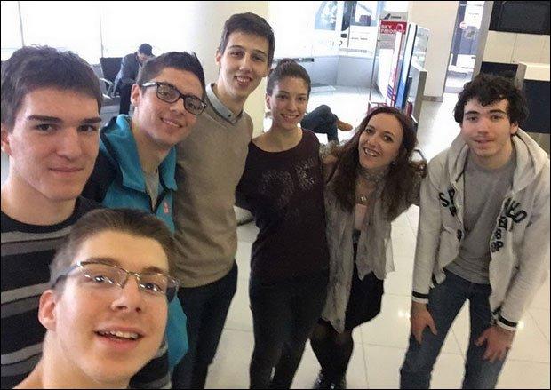 Deset medalja za fizičare: Učenici Matematičke gimnazije zablistali u Rumuniji
