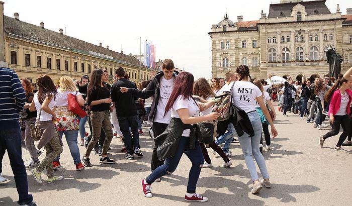 Maturanti u Srbiji 19. maja plešu za Ginisov rekord