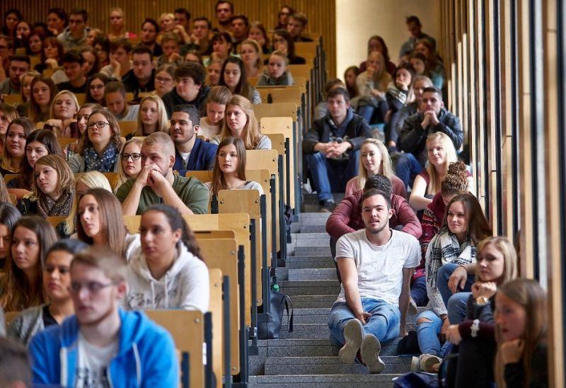 Kako do studija u inostranstvu: Iskustva naših akademaca i saveti za upisivanje prestižnih univerziteta