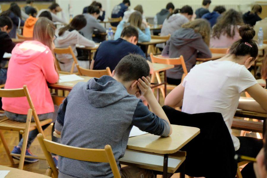 Polaganje maturskih ispita: Srednjoškolci na testu