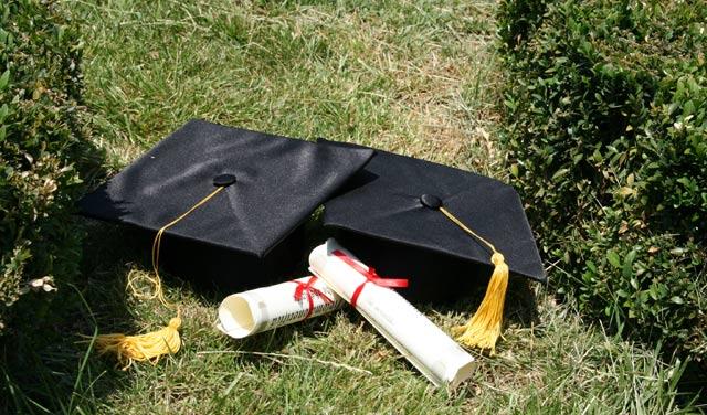 Koliko danas košta fakultetska diploma?