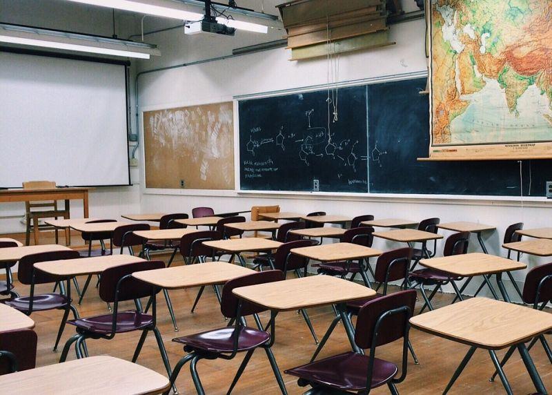 Ova zemlja će ukinuti klasične školske predmete