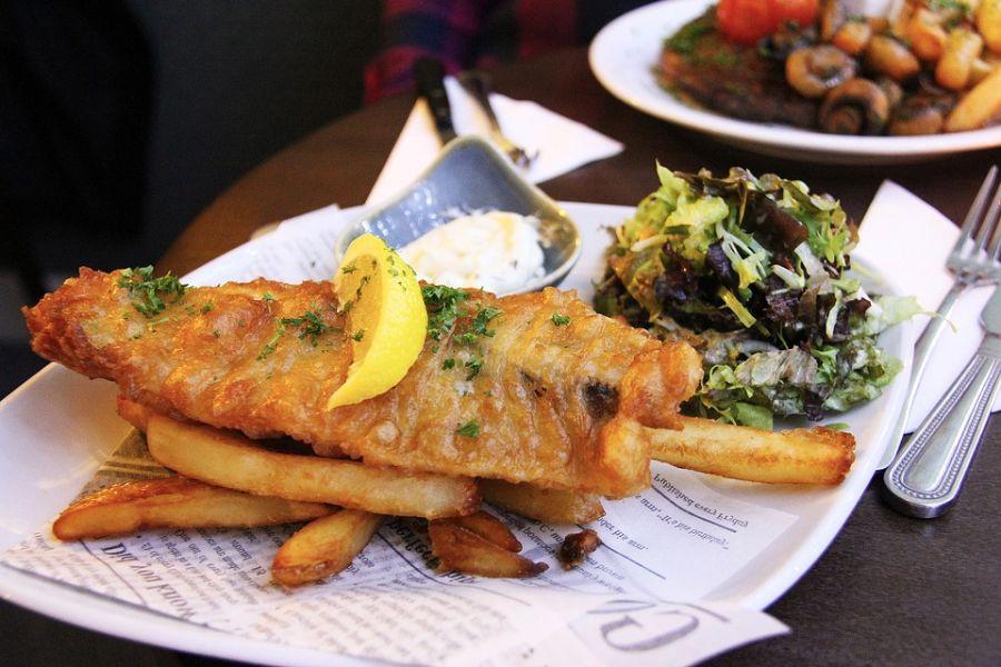 Riba na tanjiru