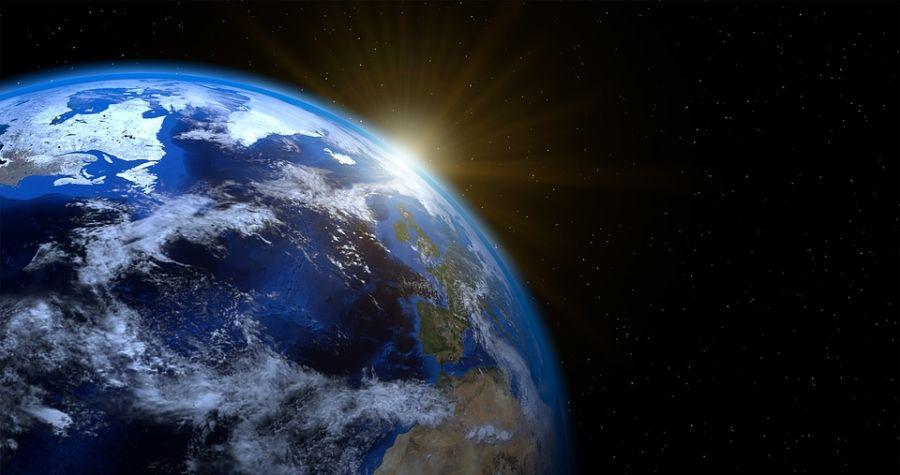 Naučnici upozoravaju: Zemlja sve dalja od Sunca
