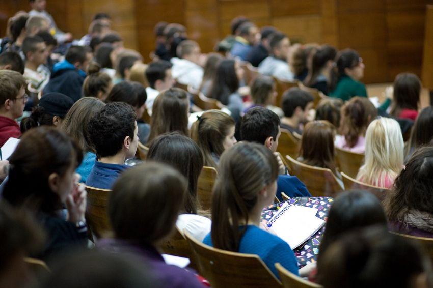 Studenti ovih fakulteta zapošljavaju se i pre diplomiranja, a nisu programeri