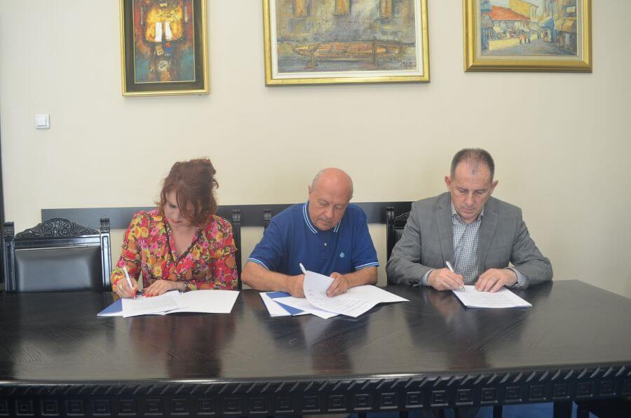 Donacija Ekonomskog fakulteta zdravstvenim i obrazovnim ustanovama u Kosovskoj Mitrovici