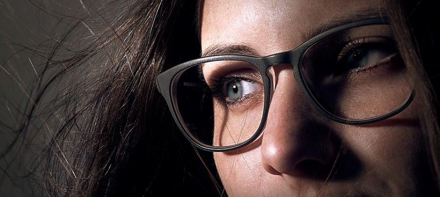 Istina je ono što kažu o ljudima koji nose naočare